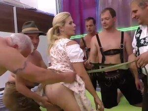 pirsing prsata maćeha u divlje orgije, ekstremna pirsing prsata nemački maćeha u divlje orgije groupsex bukkake orgije