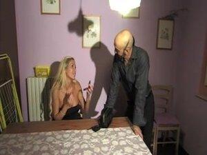Italijanski pornstars u vrelo Lupnjava akciju, neke od najvrelije italijanski pornstars su zajebavamo se u ovaj fenomenalan fetiš seks film i izgleda veoma lepa.