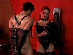 Gospodarica Jemini voli CBT i BDSM