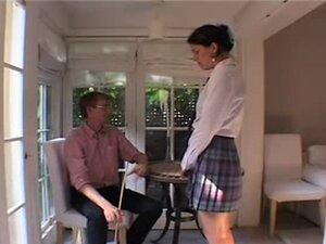 Neposlušno Rachel je batinali bi u strogi engleski moda